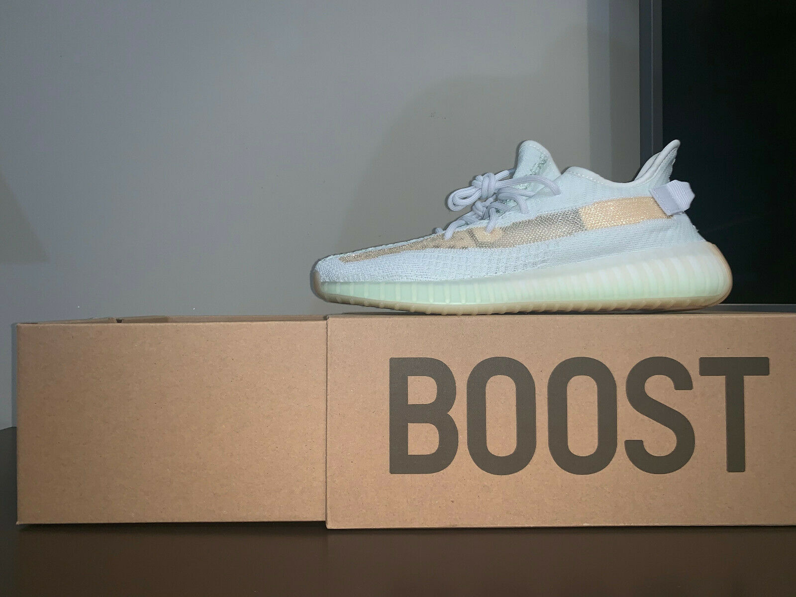 ADIDAS YEEZY BOOST 350 V2  HYPERSPACE  EXCLUSIVE IN ASIA MIDDLE EAST - US 11