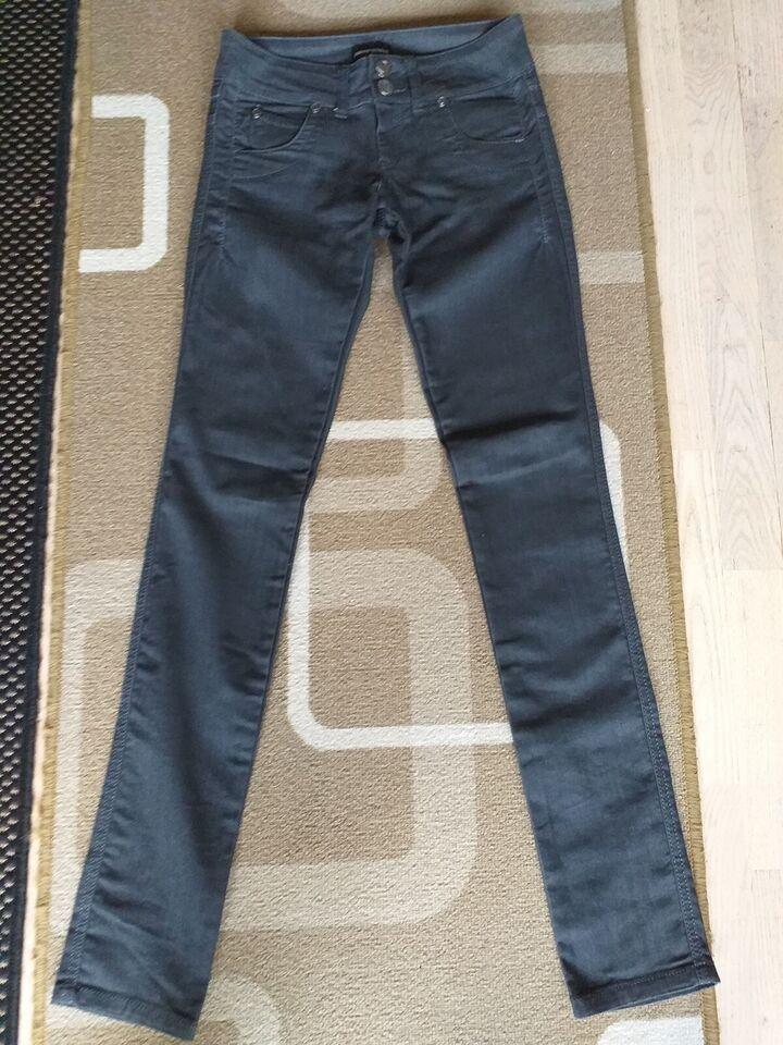 Jeans, Emporio Armani, str. 26