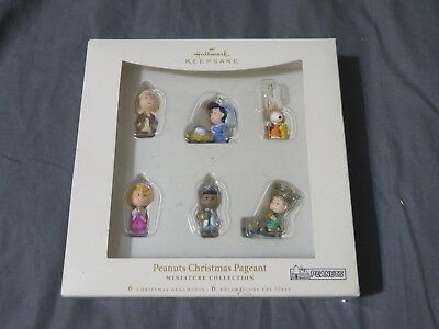 New Hallmark Christmas Ornamant Peanuts Christmas Pageant Miniature Nativity Set