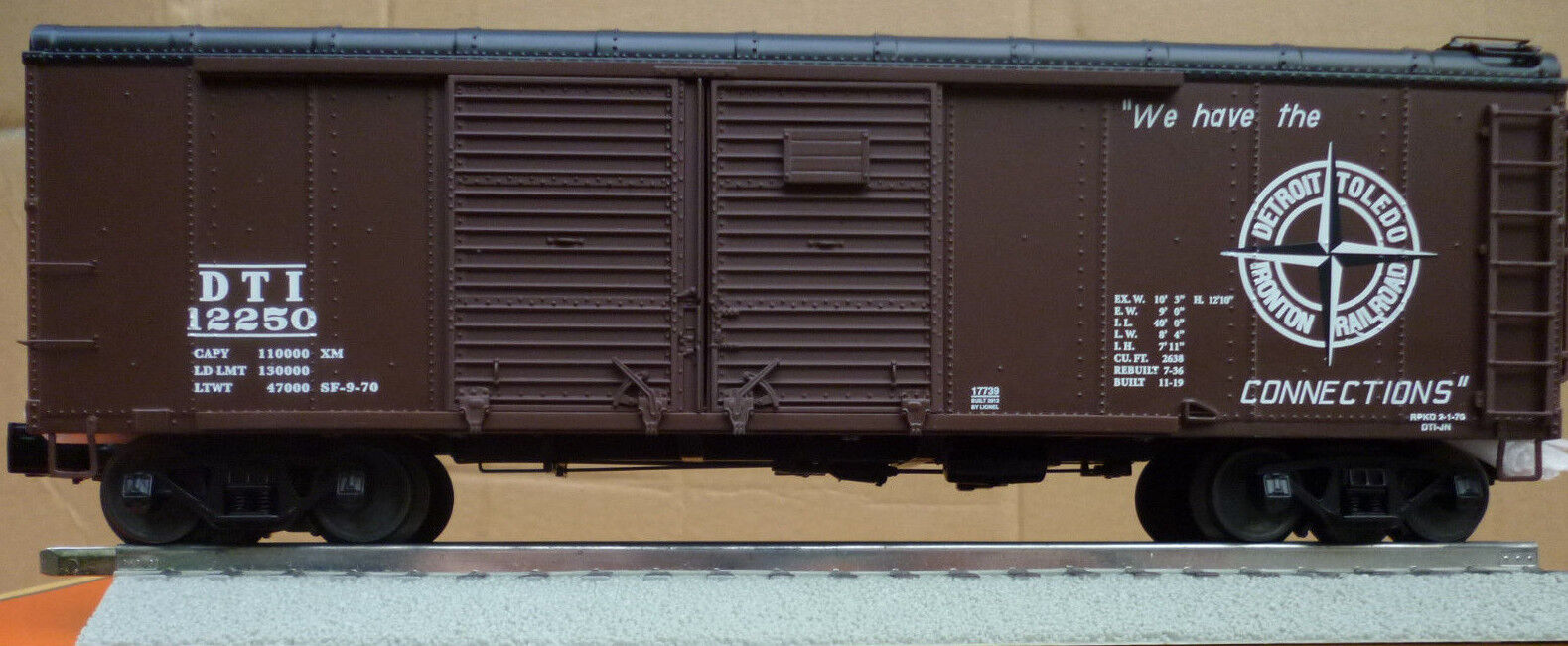 Lionel 6-17739 DT&I Round Roof Box Car