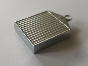 Rolls-Royce-Radiator-Vintage-pendant-costume-jewellery-chrome-pewter-1970s-UK