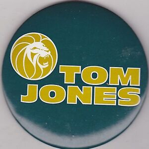 "VINTAGE 3"" PINBACK #32- 132 - CONCERT - MUSICIAN - TOM JONES #2"