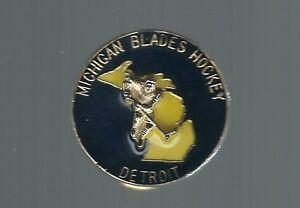 1980-039-s-Detroit-Michigan-Blades-Quebec-PeeWee-Hockey-pin-Quebec-2017