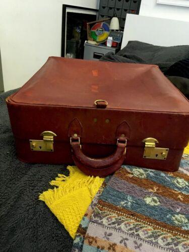 Superbe Vintage Antique En Cuir Rouge Valise ** voir l'intérieur ** 1940/50s
