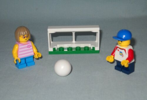 2 NEW LEGO MINIFIGURES WITH SOCCER BALL AND NET FROM 60134,FUN IN THE PARK