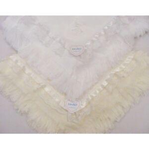 Stunning-Kinder-Spanish-Style-Romany-Guipure-Lace-Christening-Shawl-Blanket