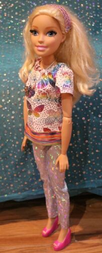 No doll. Barbie/'s  my size 28 inch outfit