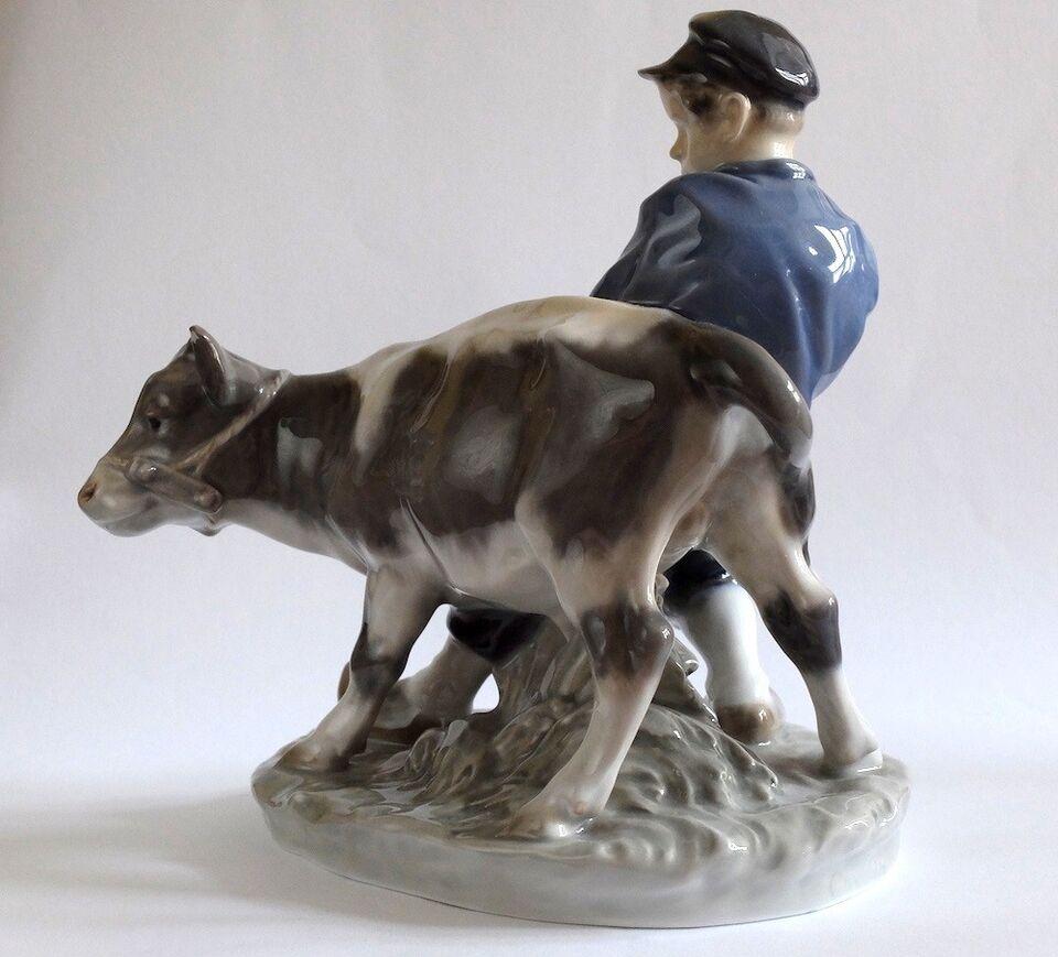 Dreng med kalv figur, Royal Copenhagen, Kgl.