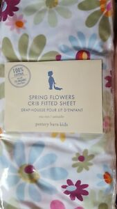 Pretty-New-Pottery-Barn-Kids-Spring-Flowers-Crib-SHEET-toddler-bed-hard-to-find