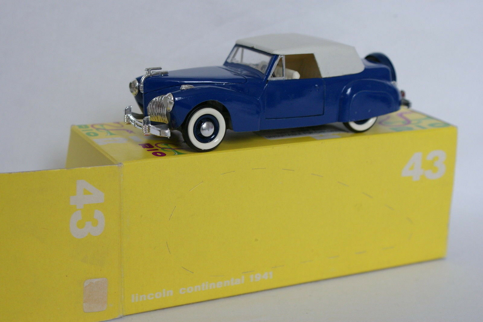 Rio 1 43 - Lincoln Continental 1941 bluee 43