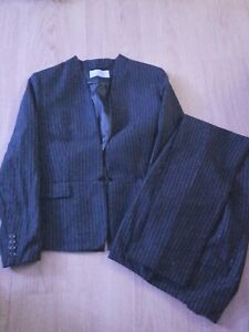 H-amp-M-Wool-Blend-Navy-Blue-Pinstripe-Suit-Jacket-38-Trousers-38