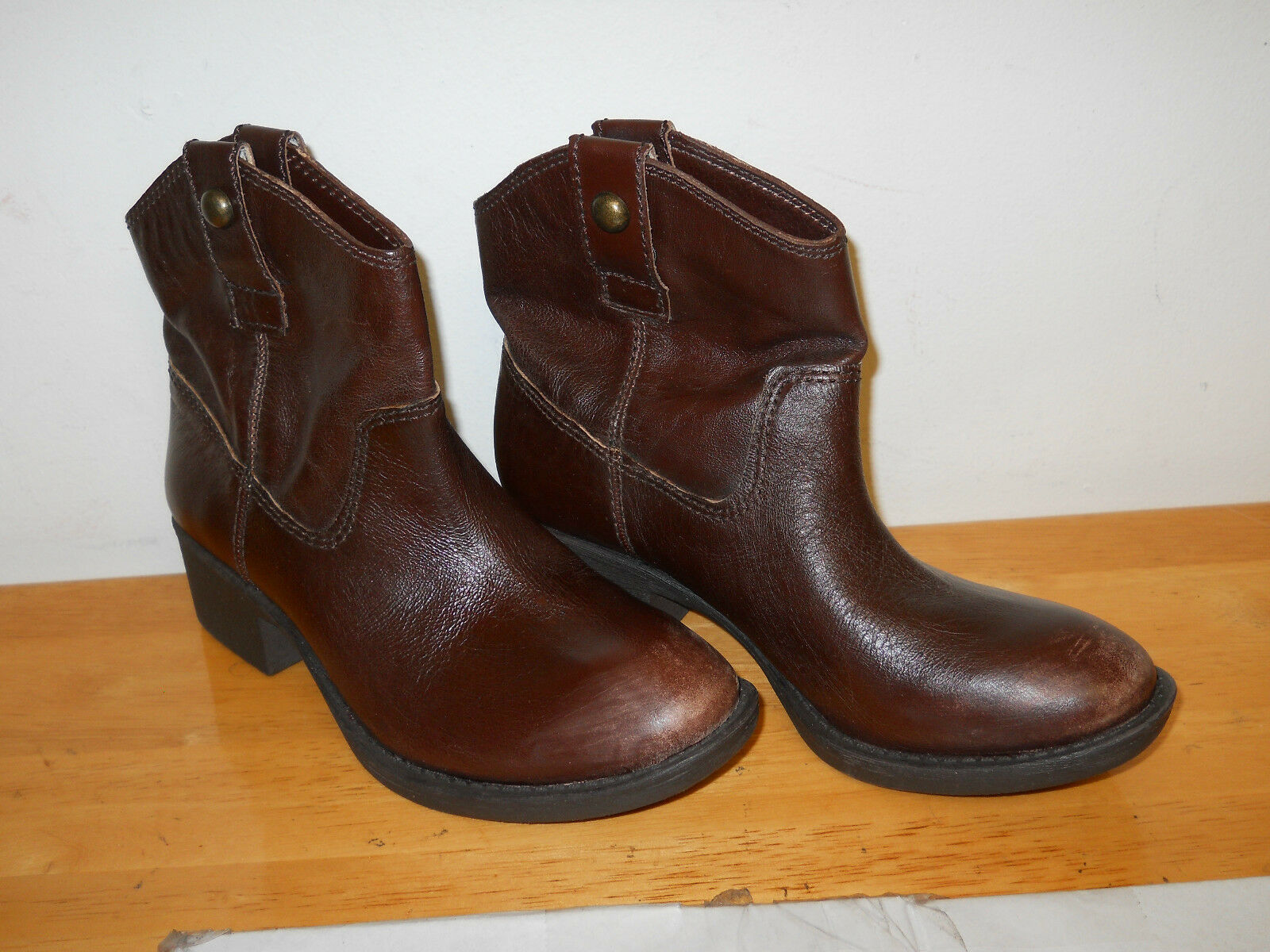 Gianni Bini New Womens Brown  Leather Boots 6 M shoes NWOB
