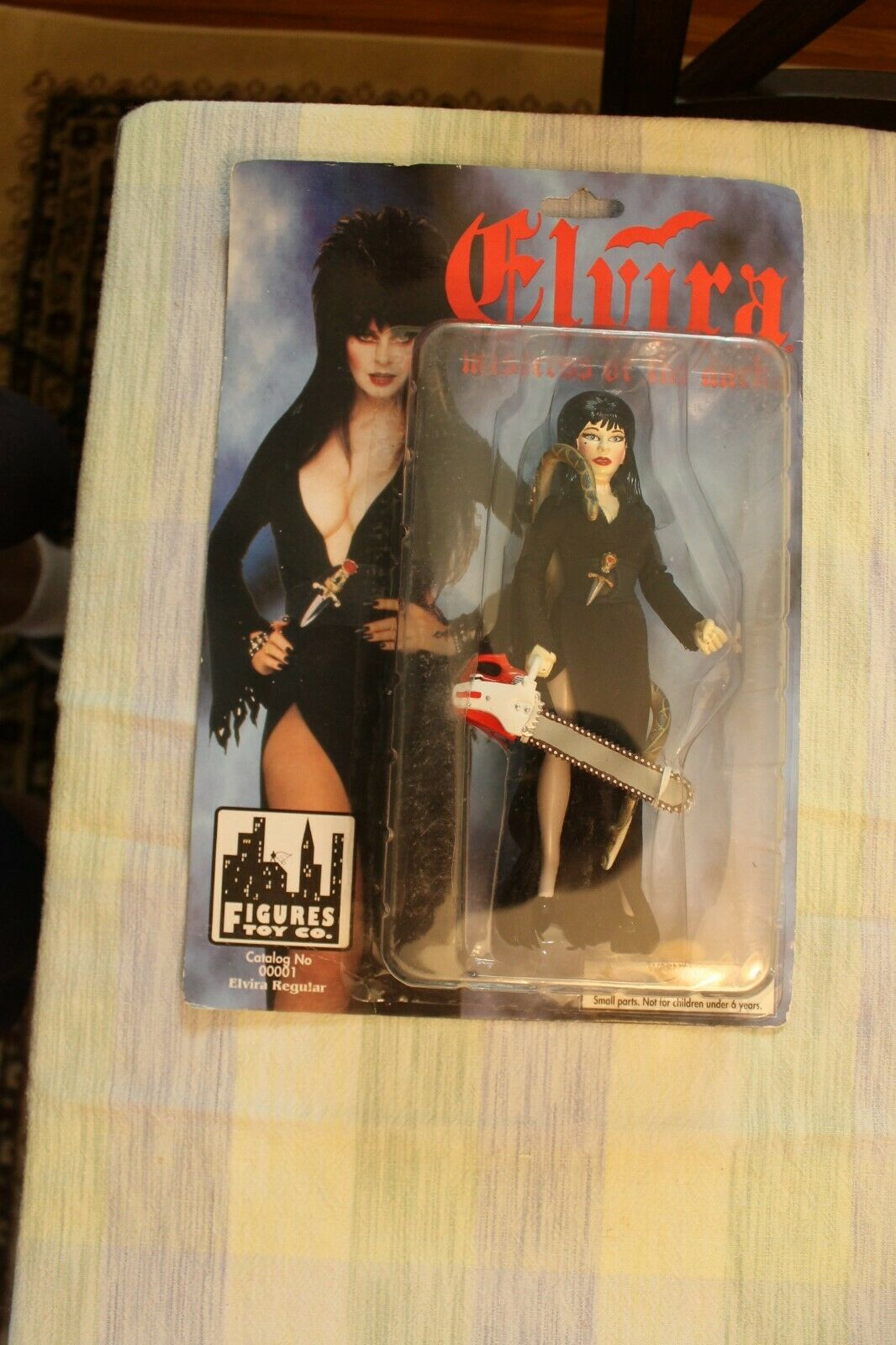 RARE 1998 Elvira Figure with Chain Saw 1 of 5000 Figure Toys Co.