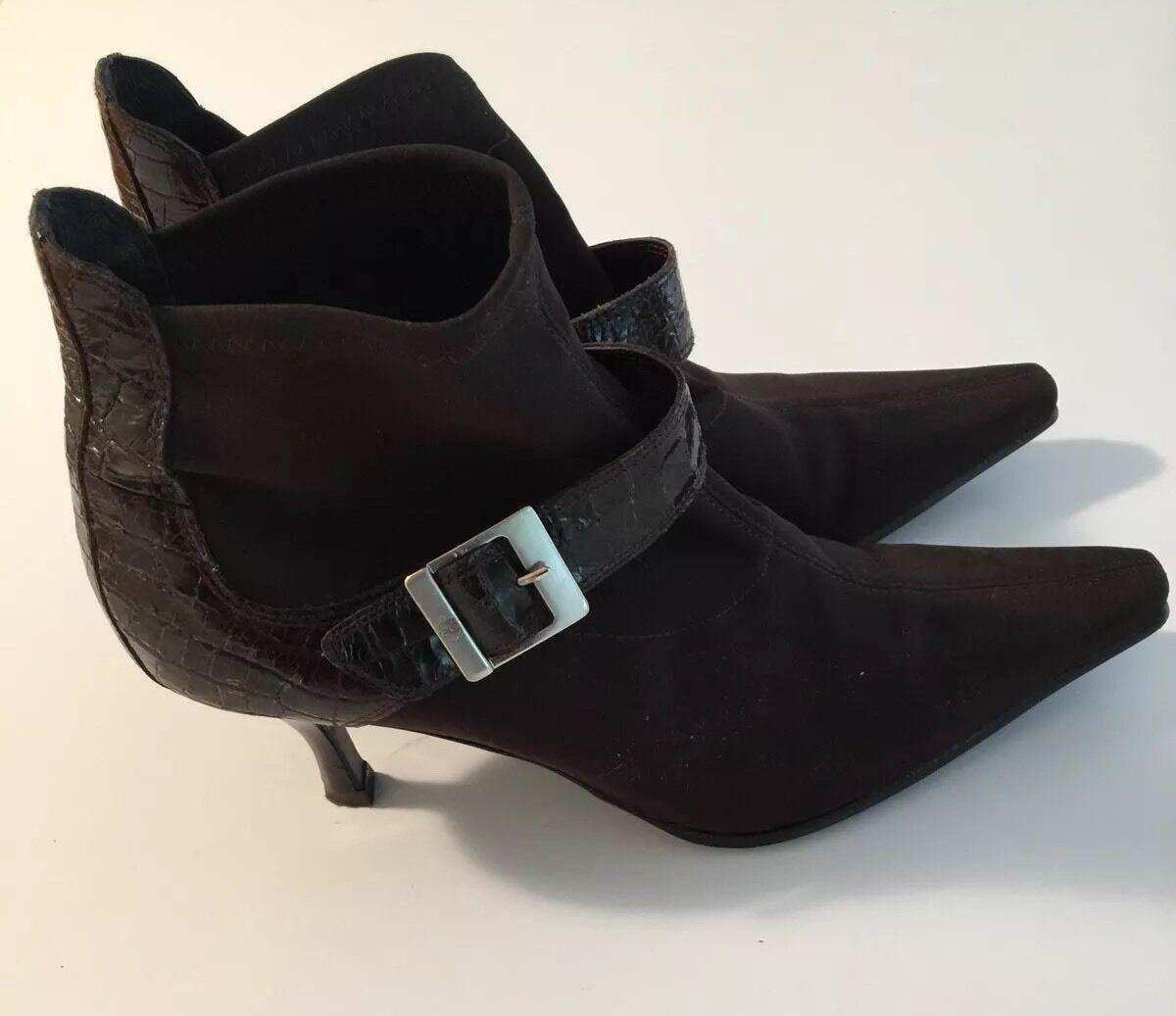 DONALD J PLINER Braun Stretch Fabric Bootie Heels Stiefel Größe 8.5 M EUC