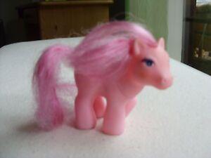 Ein-kleines-Pony-rosa-bespielt