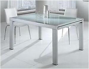 Tavolo Cucina Allungabile Vetro.Tavolo Moderno In Metallo Quadrato Piano In Vetro Cucina Soggiorno