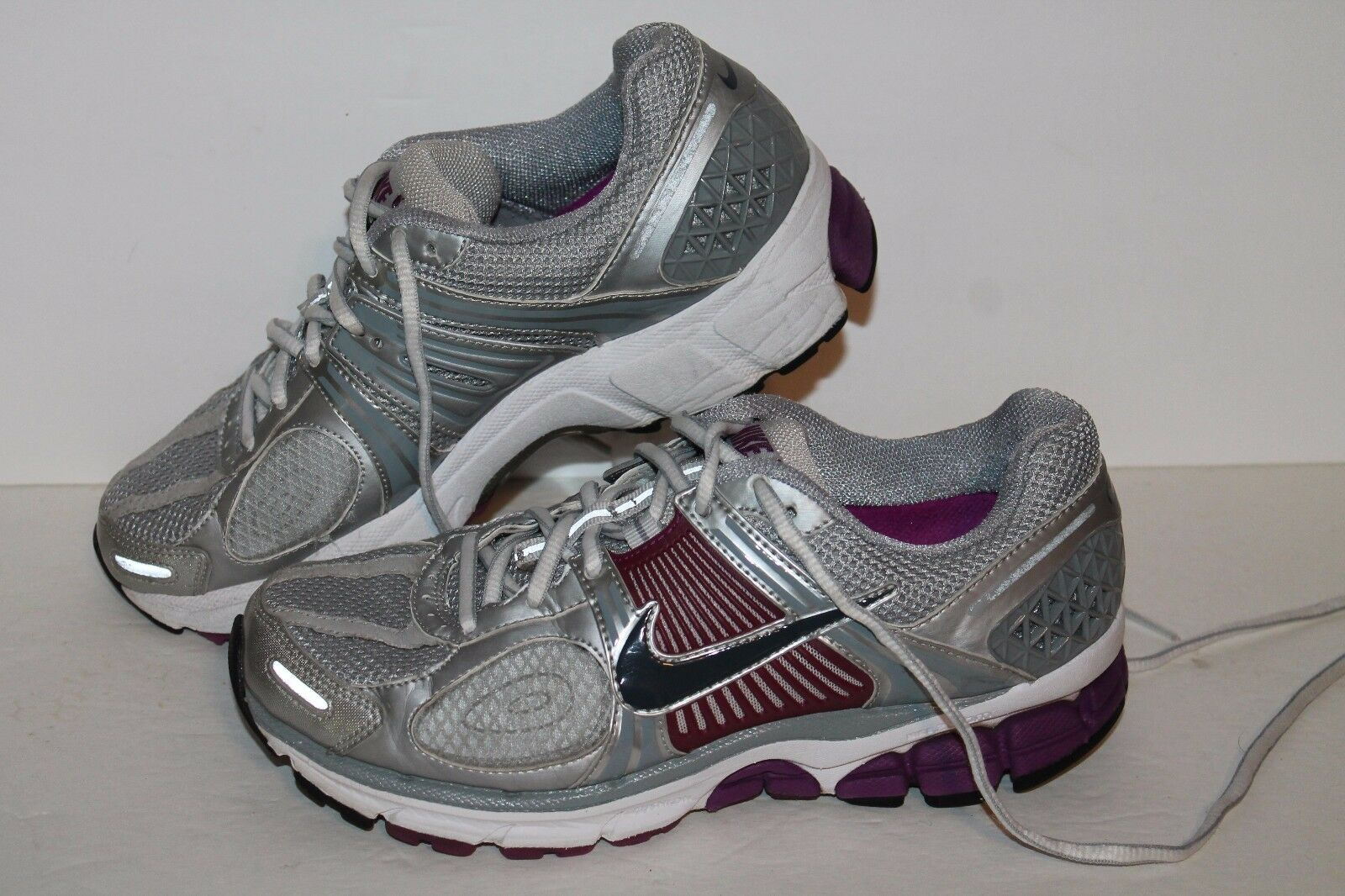 Nike Zm Vomero 5+ Running Shoes, Silver/Ppl/Grey, Womens US 6