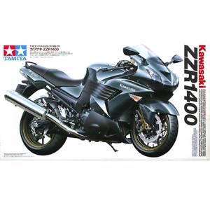 Tamiya-14111-Kawasaki-ZZR1400-1-12