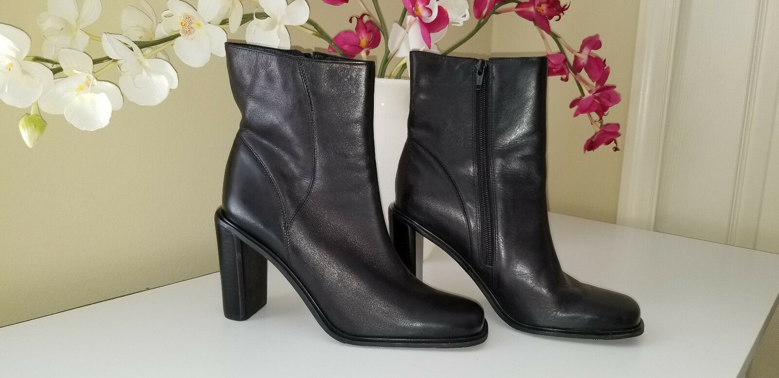 CONNIE Womens Black Leather Ankle Boots Chunky Heel Sz.7M made in Brazil