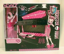 NIB Monster High Dead Tired Draculaura Doll 2010 Jewelry Box Coffin Bed Playset