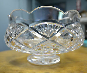 Image is loading BEAUTIFUL-WATERFORD-CRYSTAL-DOORS -OF-DUBLIN-SCALLOPED-FOOTED- & BEAUTIFUL WATERFORD CRYSTAL DOORS OF DUBLIN SCALLOPED FOOTED BOWL ...