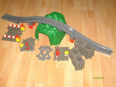 Lego Duplo Eisenbahn Set wie Tunnel,Brücke,Schienen,weichen,B.Übergang usw.