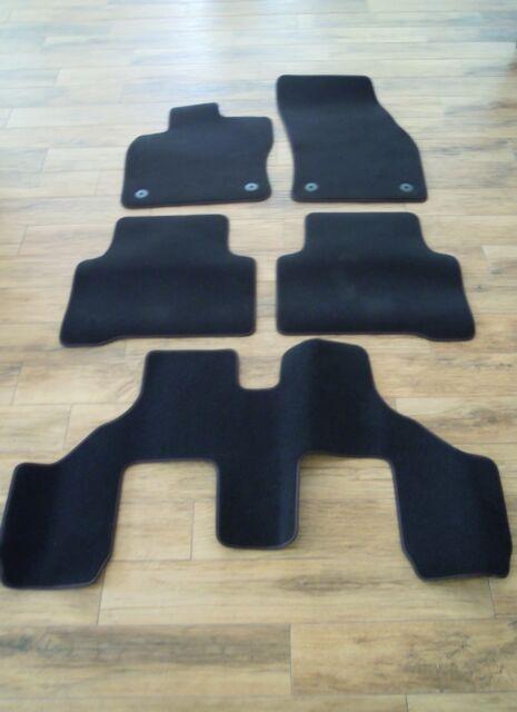 1 Satz Original VW Touran Fußmatten  5+7sitzer  NEU