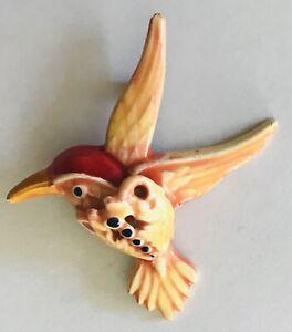 Hummingbird-In-Flight-Pin-Badge-Rare-Vintage-L46