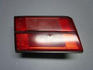 La-Luz-de-Fondo-de-la-Luz-de-Fondo-Interior-Izquierda-BMW-5-E34-520-I
