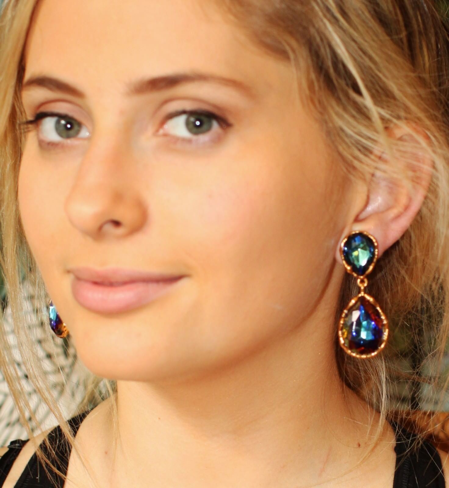 Oscar de la Renta Large AURORA BOREALIS CRYSTAL clip chandelier drop earrings