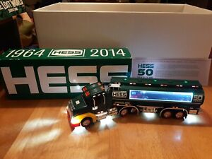 Hess Gasoline 2014 Collector's Limited Edition Truck & Tanker # 21f031 Excellent