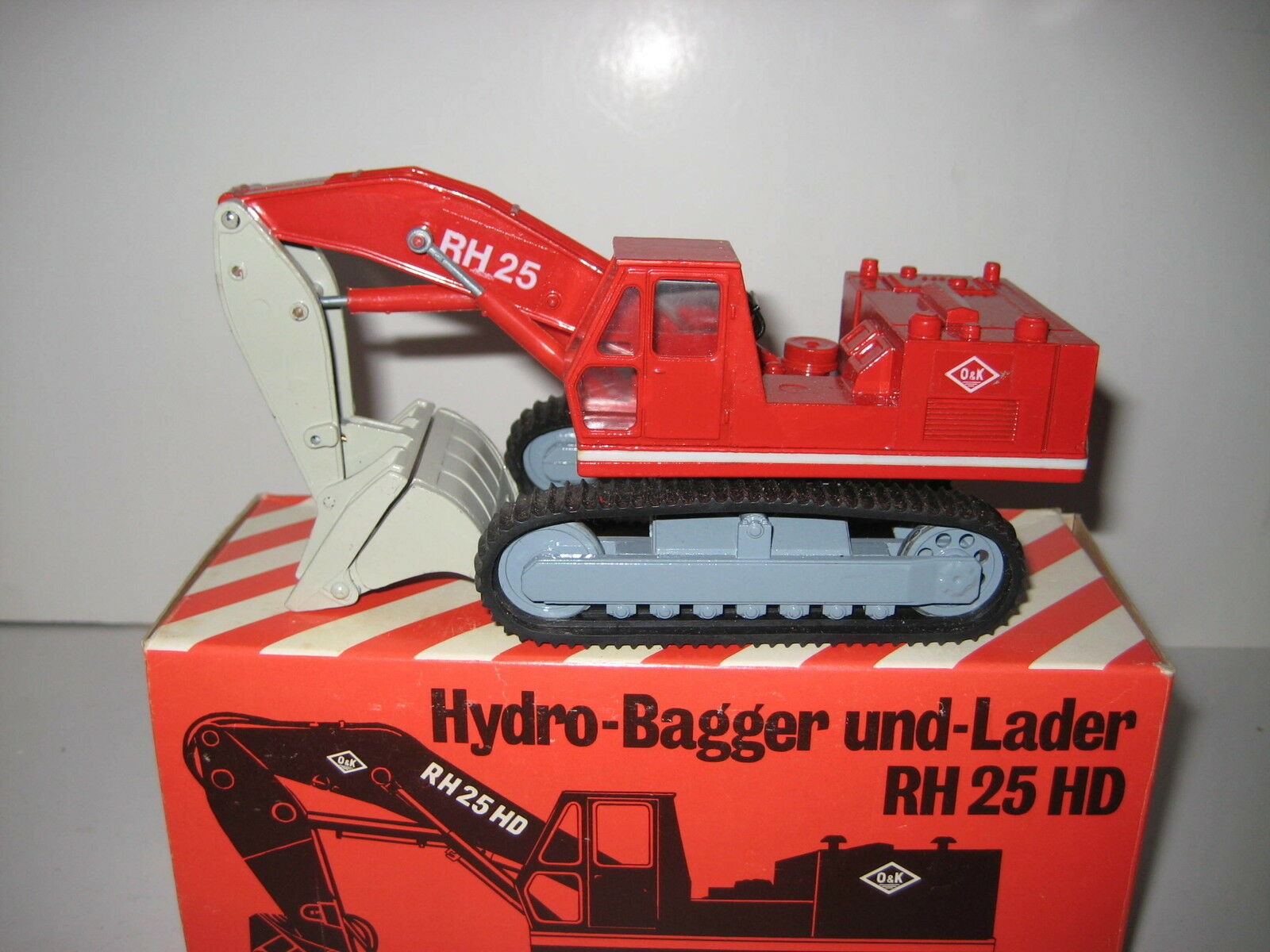 O&K RH 25 BAGGER BAGGER BAGGER HOCHLÖFFEL RAUPEN 1.VERSION RW ZISS 1 50 OVP 0ac331