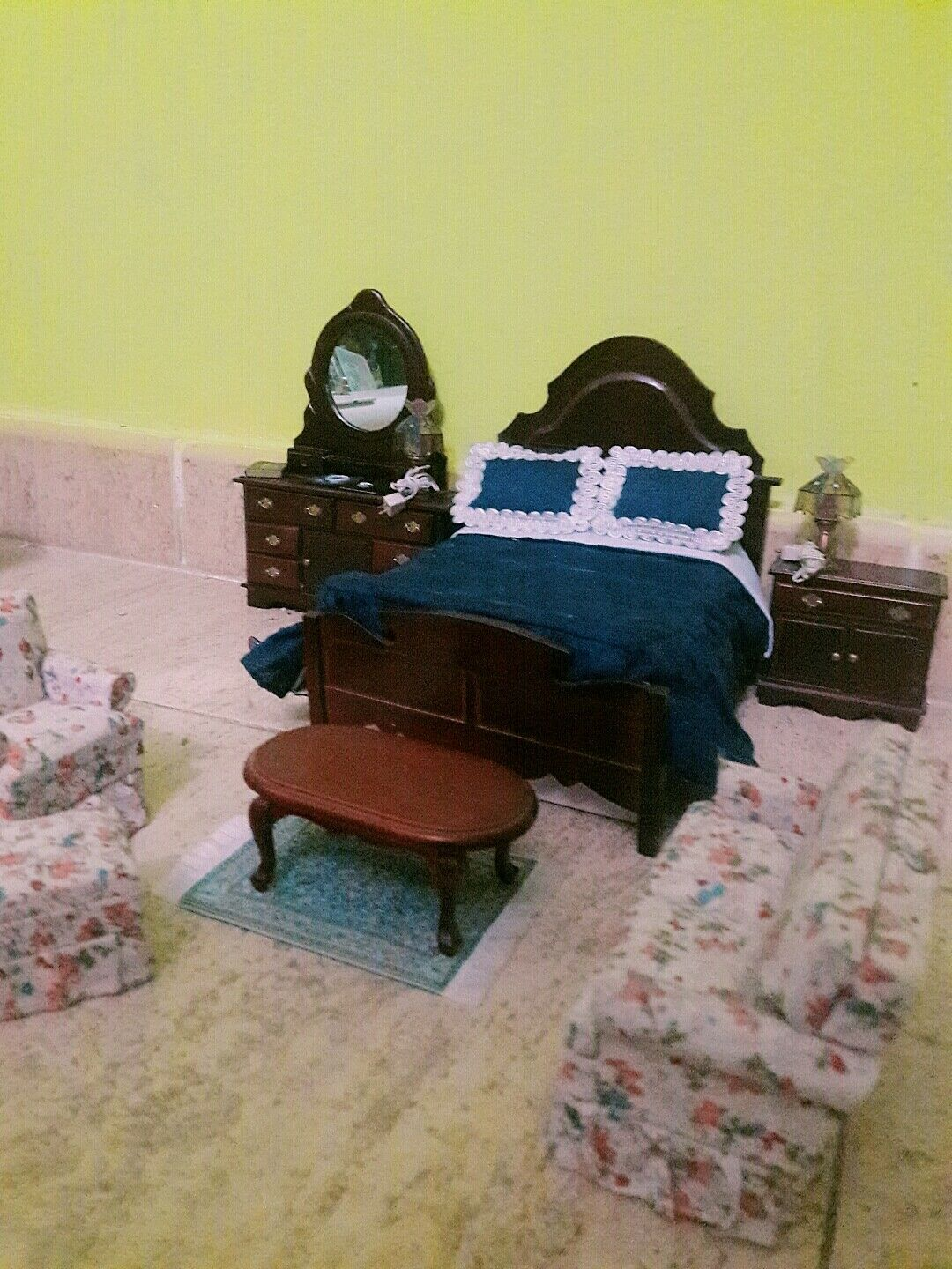 1 6    escale miniature bed, and all incluyed 7f3d4d