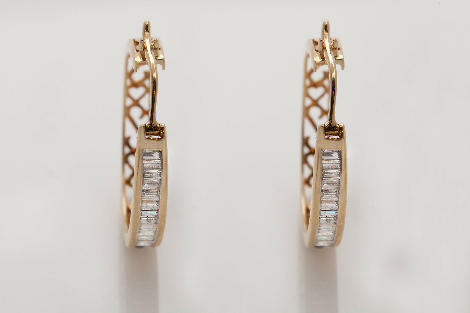Estate  5500 2ct VS H Baguette Diamond 14k Yellow gold HOOP Earrings