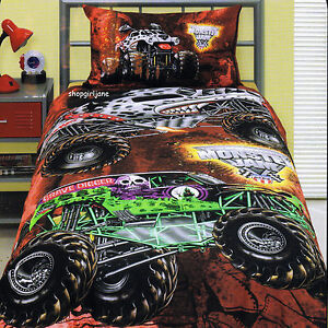 Monster Jam Trucks - Grave Digger Mutt Maximum D - Twin Bed Quilt ... : monster truck quilt - Adamdwight.com