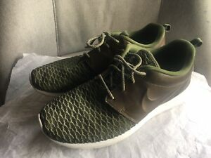 pretty nice 13a3c 2bbdf Image is loading Nike-Roshe-Run-Olive-Green-Leather-mesh-Men-