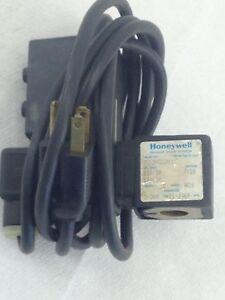 USED, GOOD HONEYWELL SKINNER 703N22N1C SOLENOID VALVE WITH DELTECH TIMER (B11)