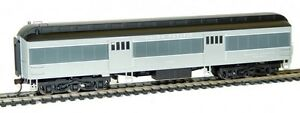 Rivarossi-Union-Pacific-60ft-Baggage-Car-1702-HO-Scale-Train-Car-HR4197