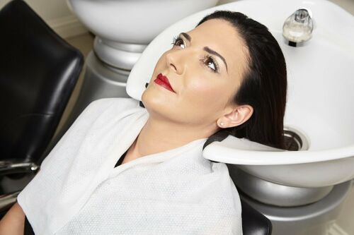 4 x Pack 56gsm Enki Luxury Disposable Hair /& Beauty rouge 40 cm x 80 cm White
