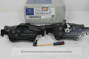 Genuine mercedes benz w211 e class rear brake pads and for Mercedes benz e350 brake pads replacement