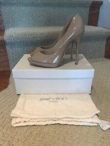 697907f7fa91dd Designer Shoes - JIMMY CHOO - Beige Patent Leather Peep-Toe Platform ...
