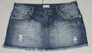 Womens-size-8-distressed-denim-mini-skirt-made-by-MINK-PINK-minkpink