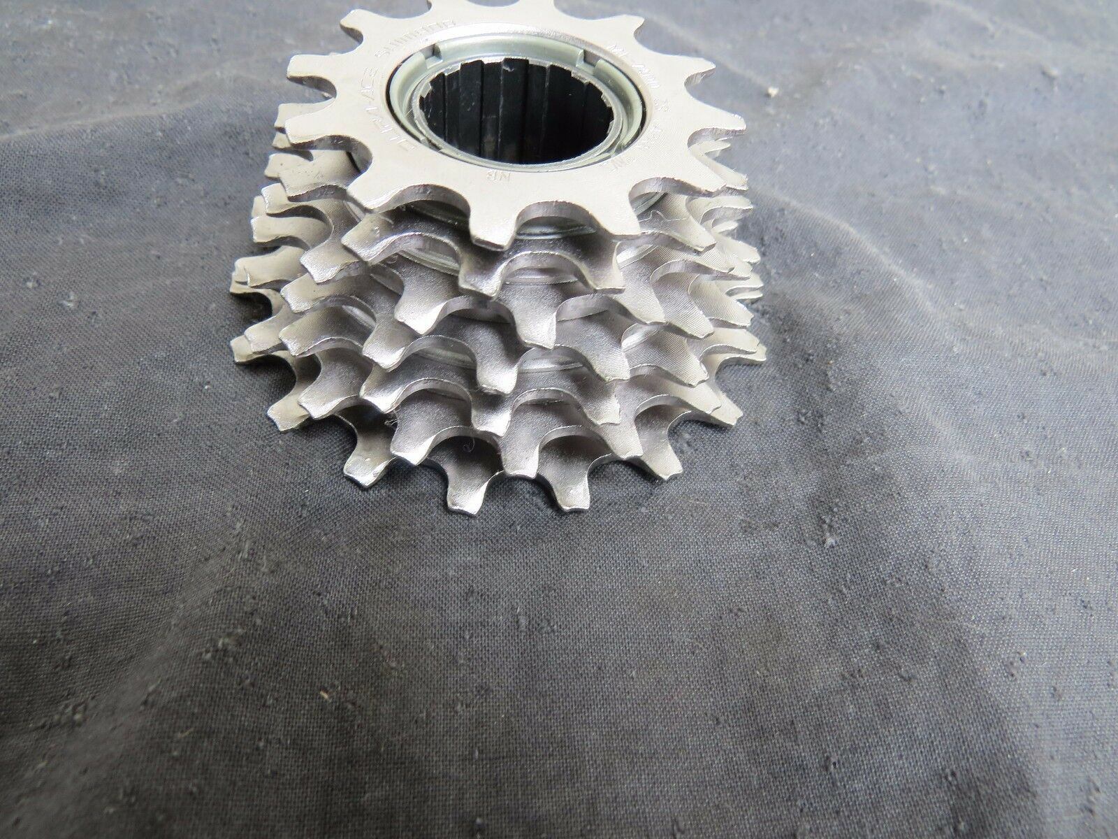 DURA ACE 12-18 FREEWHEEL 7 SPEED.ROAD TOURING COGS VINTAGE