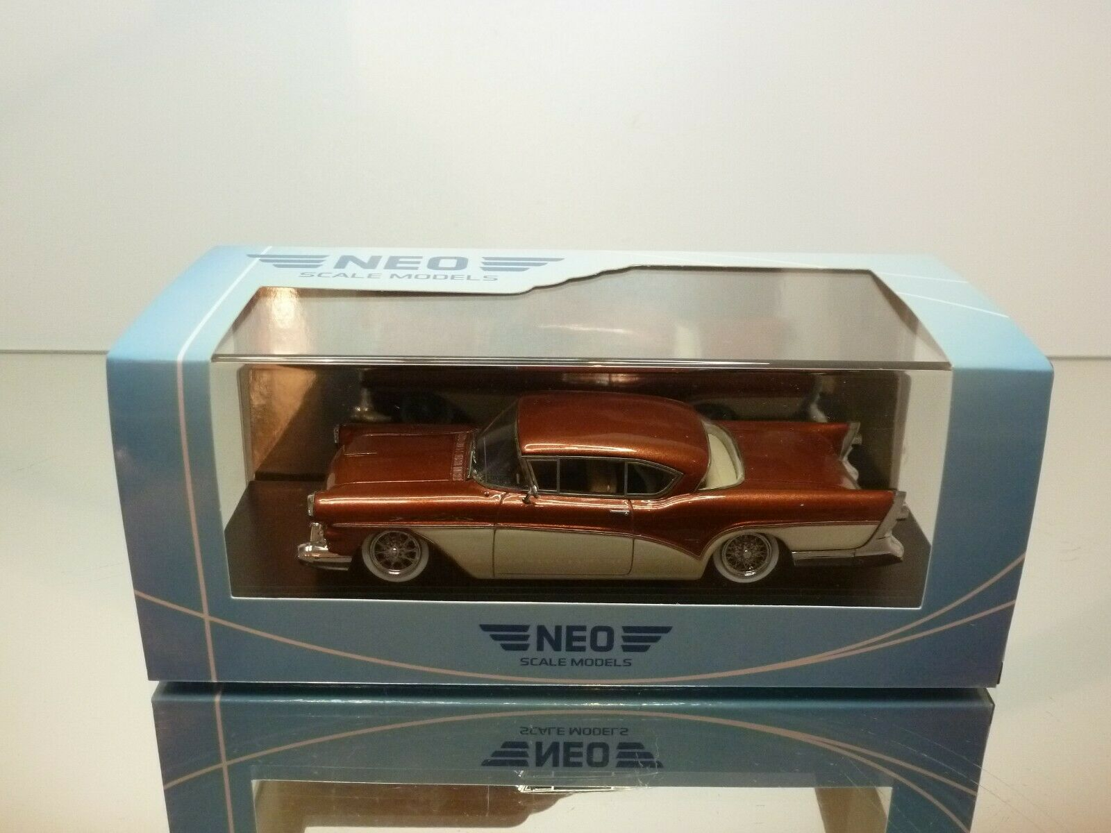 NEO SCALE MODELS BUICK ROADMASTER HARDTOP COUPE 1957 - 1 43 - EXCELLENT IN BOX