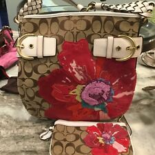 Coach Poppy Limited Edition Signature Floral Khaki Tote with matching  wristlet. 40596ddb96d22