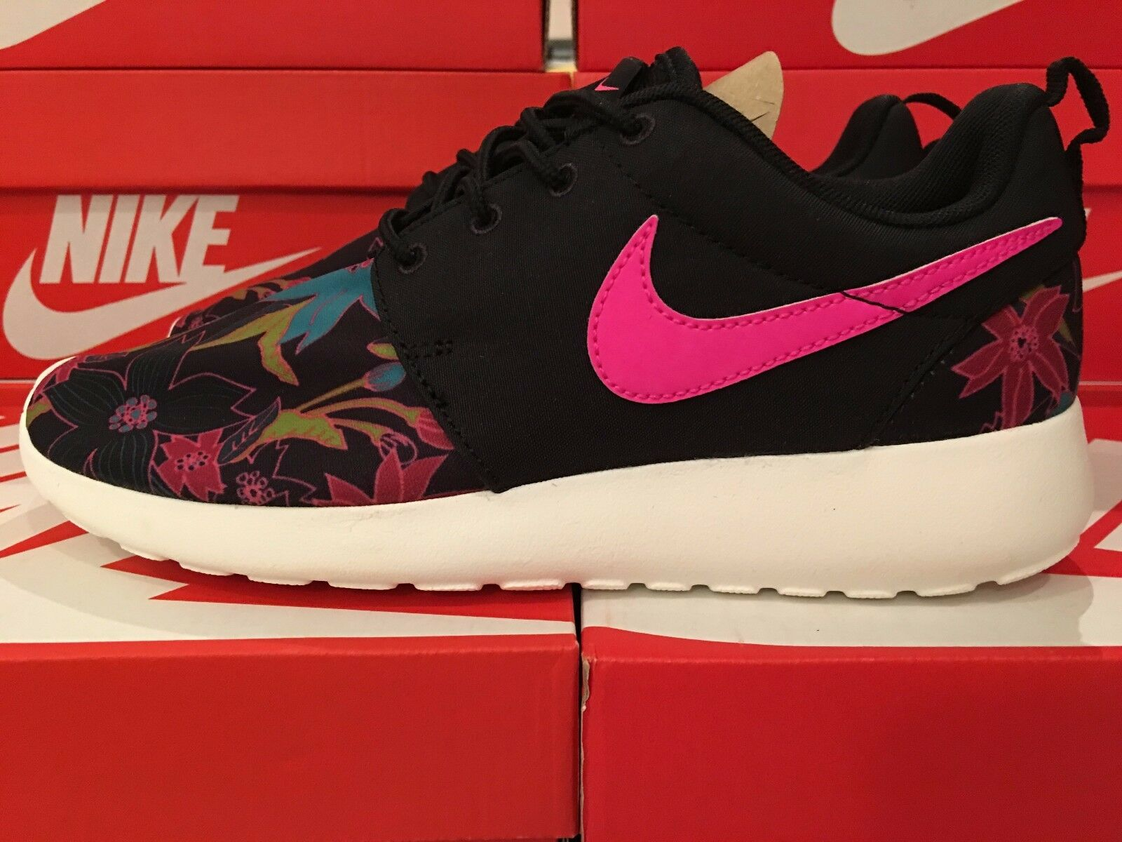 Womens Nike Roshe One Print PREM Black Pink Foil Sail