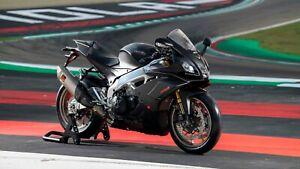 Aprilia-RSV4-1100cc-Super-Sports-Bike-Wall-Art-Large-Poster-Canvas-Pictures