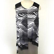 NEW NWT Avenue Plus Size Black & White Tunis Sleeveless Blouse size 18/20