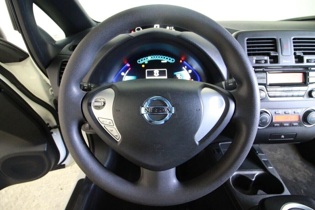Nissan Leaf  Visia