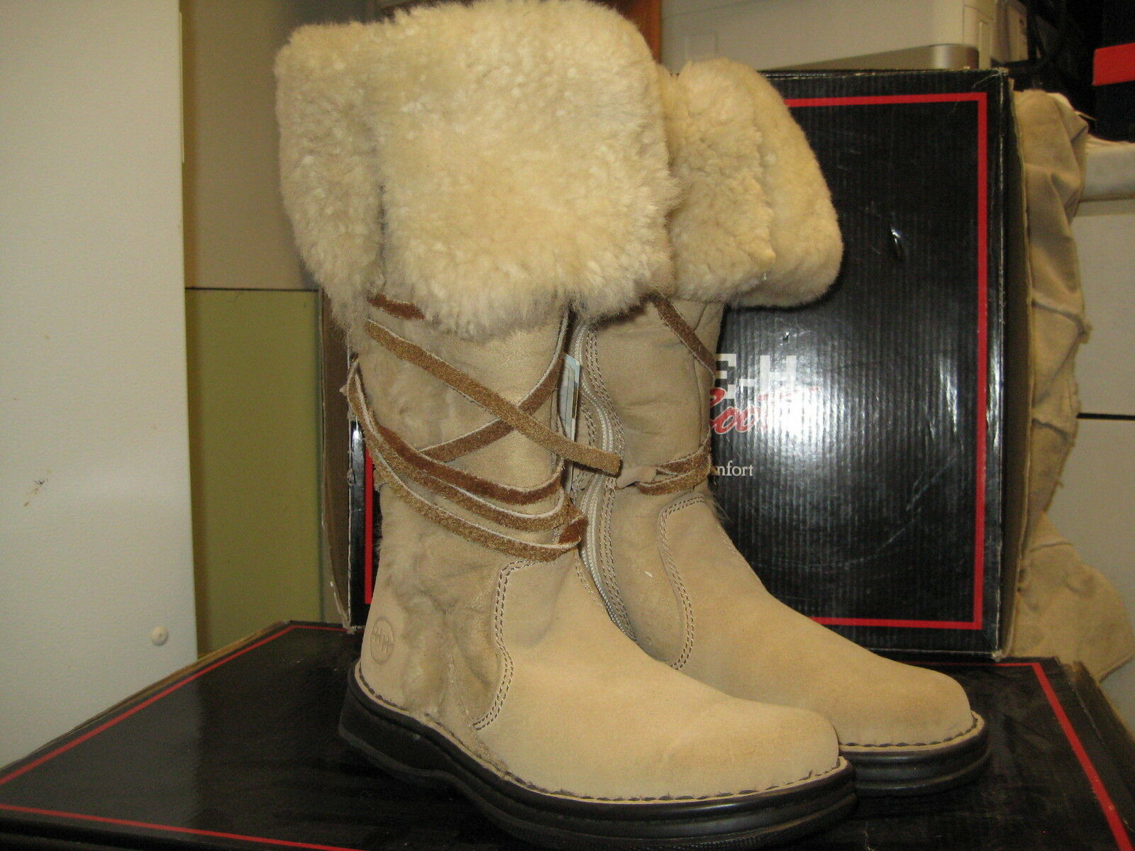 Double HH DH1059 Beige Snow Boot Size 11 M NEW